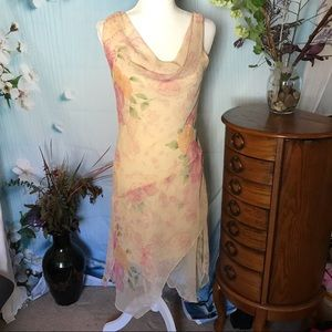 Beautiful and delicate handkerchief dress size 8